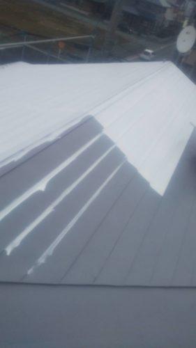 仙台市・盛岡市にて屋根・外壁塗装工事を行っております。東北ペイントです。滝沢市にて屋根・外壁塗装工事を行っております。今日は天気に恵まれ屋根・外壁塗装をするには最適な気候となりました。滝沢市にて屋根・外壁塗装工事を行なっている現場と、同じく滝沢市にて屋根塗装工事を行なっている現場をご紹介致します。